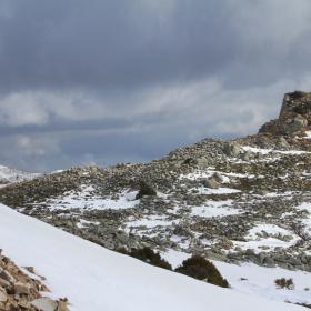 Il Nuraghe di Ruinas e il Monumento Naturale Perda 'e Liana con la neve