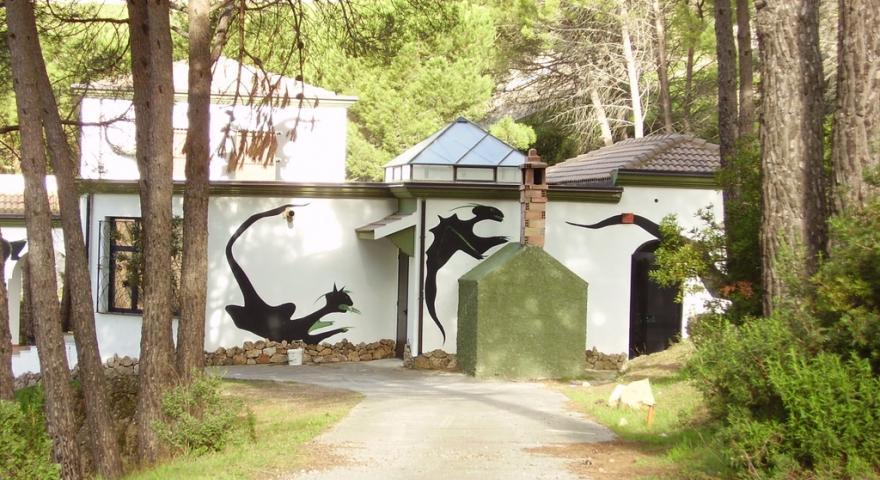 Opera di Maria Lai: la casa delle inquietudini