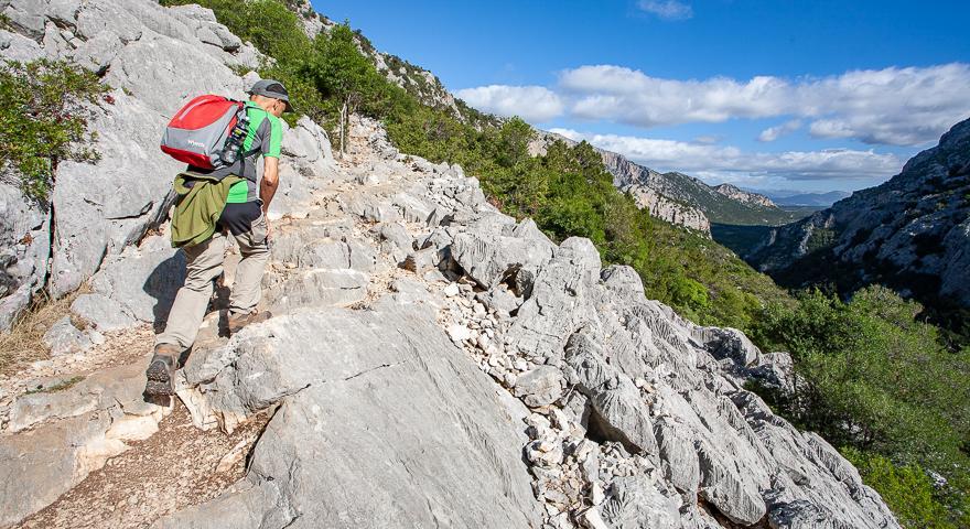 La salita verso Monte Tiscali
