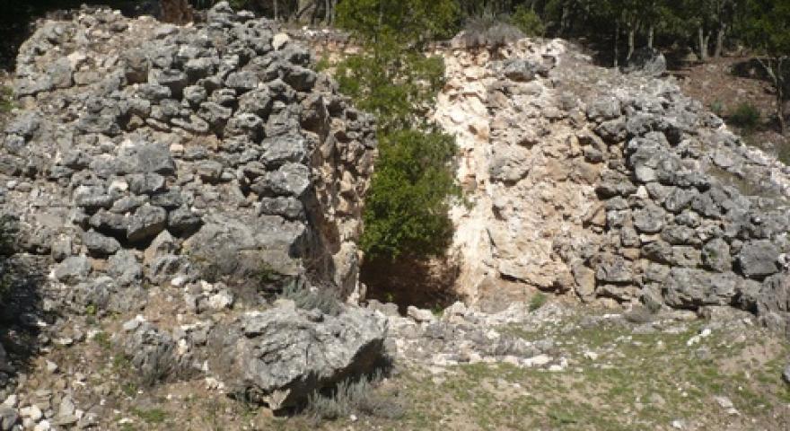Laconi resti di una vecchia fornace per la produzione della calce