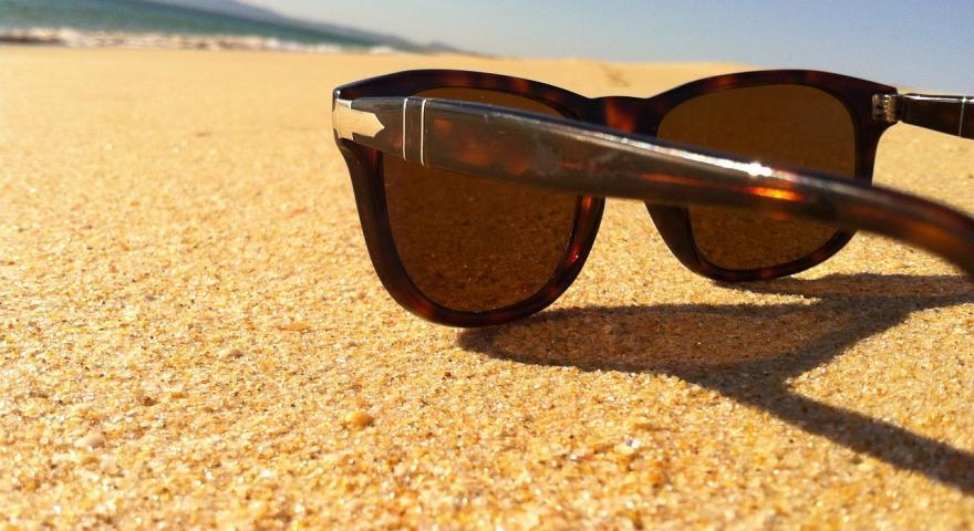 Gli occhiali da sole: una buona soluzione per proteggersi dal sole