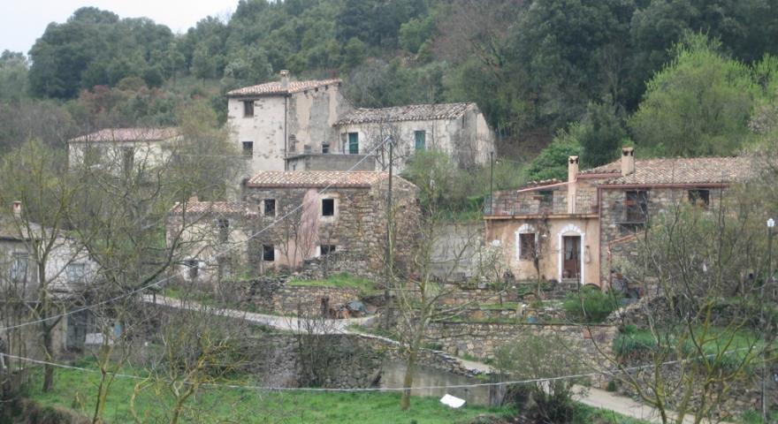 Sadali antiche case in pietra.